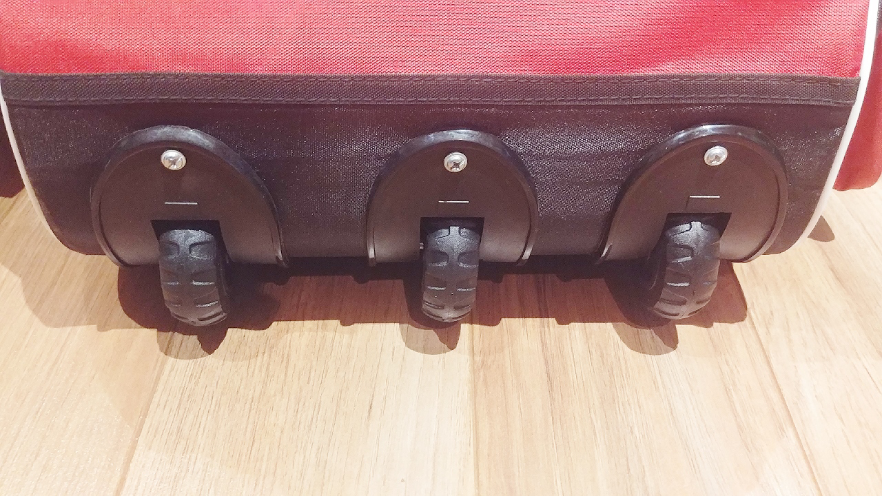 Picture of SM PLAYER'S PRIDE Kit Bag with 3 WHEELS